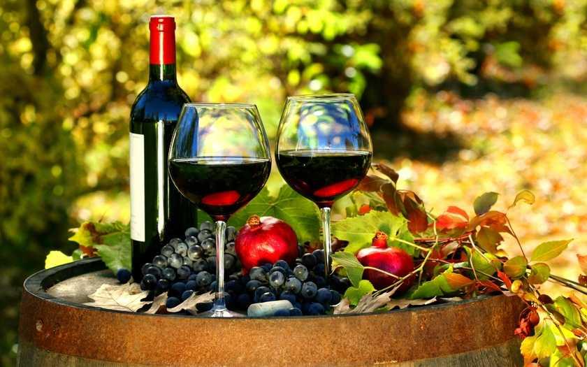 Какое вино подают к фруктам
